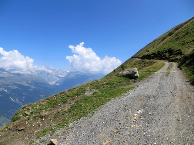 Salita al Colle del Breithorn, sullo sfondo il Fieschergletscher ed il Finsteraarhorn (4.274m)