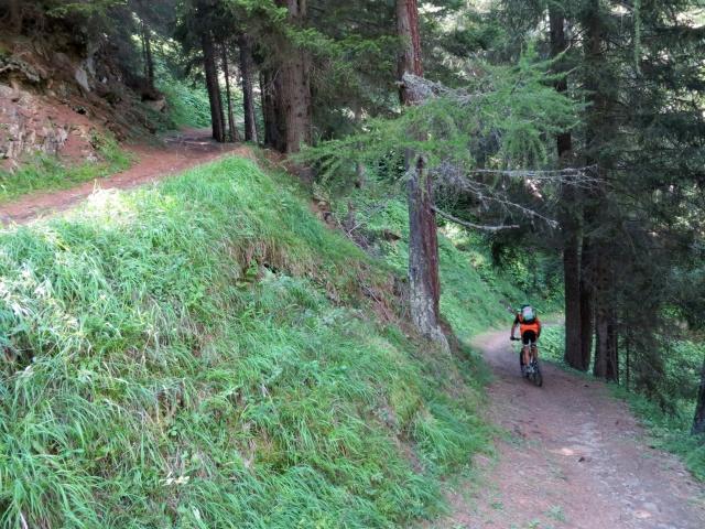 Sentiero in direzione di Ze Binne