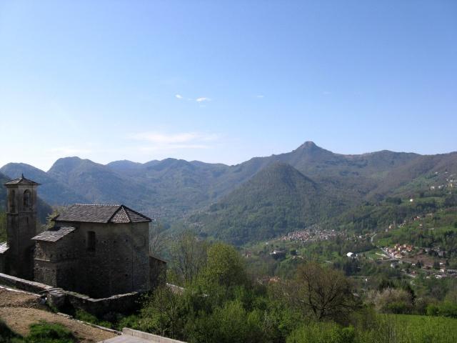 Valle d'Intelvi - Sasso Gordona sullo sfondo