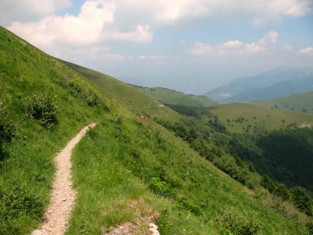 Inizio del single-track in discesa verso la Valle d'Intelvi