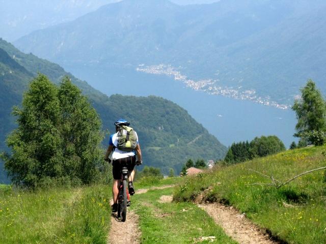 Verso l'Alpe di Cerano