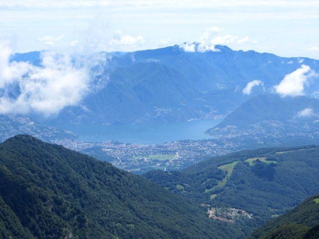 L'Alpe di Arosio ed il Lago Ceresio con la città di Lugano