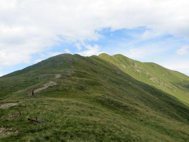 Monte Gradiccioli, sentiero che sale alla vetta dal lato sud