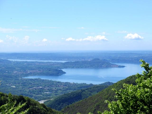 Panorama dal Monte Crocione: Lago Maggiore con Ispra e Ranco in primo piano