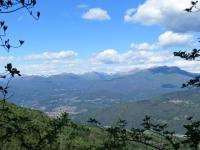 Panorama dal sentiero del Viandante: Forcola (sx), Monte Lema (dx), Monte Gradiccioli (retro dx)