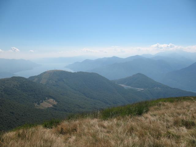 Passo della Forcora e Lago Delio dalla cima del Covreto