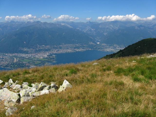 Ascona, Locarno ed il Piano di Magadino dalla vetta del Covreto