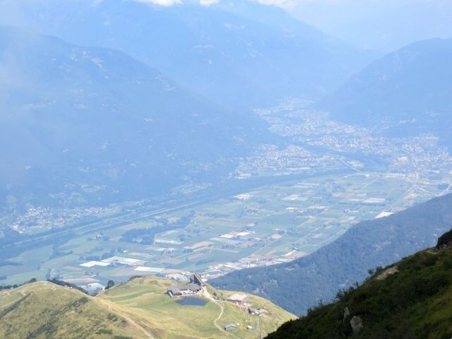 Piana di Bellinzona e Alpe Foppa-Corte di Sopra, vista dalla Capanna Tamaro