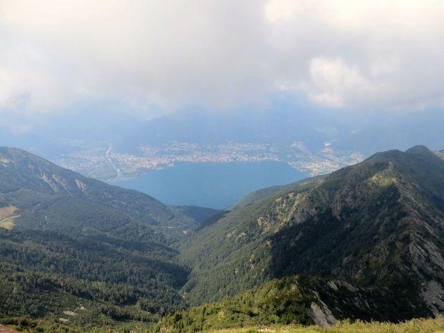 Sulla vetta del Monte Tamaro, panorama su Ascona-Locarno e la valle di Vira