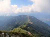 Sulla vetta del Monte Tamaro, panorama su Monte Gambarogno