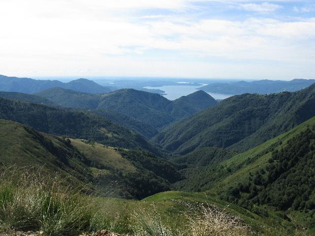 Il Lago Maggiore salendo al Bivacco Pian Vadà