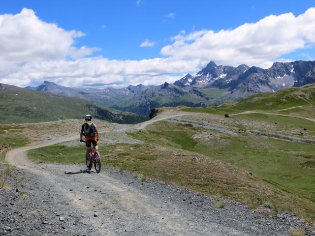Scendendo da Costa La Luna per prendere il sentiero per la Val Gimont