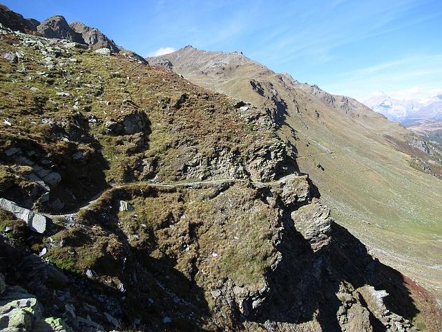 Il tratto più esposto del sentiero che attraversa la Nanztal