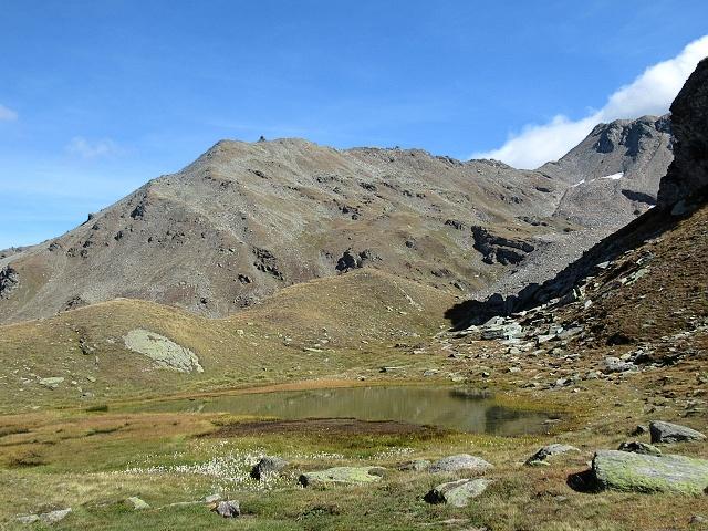 Testa della Nanztal - Laghetto alpino presso l'alpeggio di Obers Fulmoos
