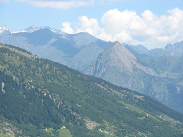 Panoramica sui rilievi della Valle di Blenio