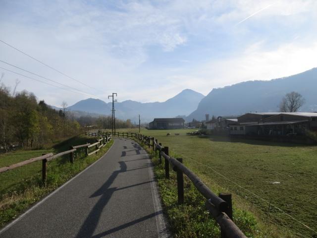 La ciclabile della Valsassina rientrando in direzione di Pasturo