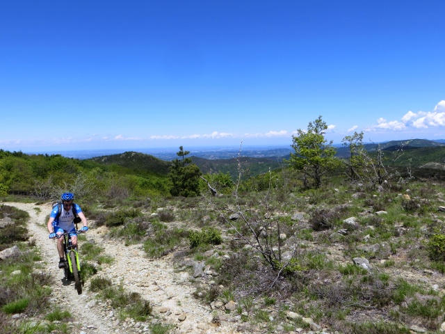 Tratto di sentiero per il Monte Pracaban