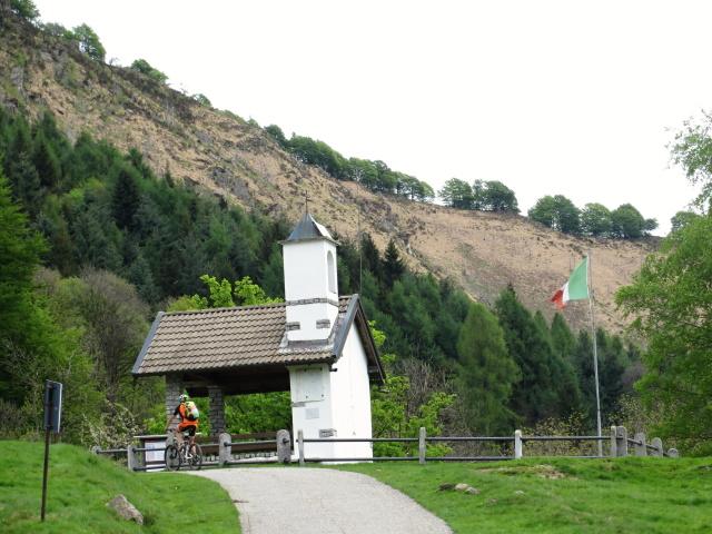 Alpe Camasca, cappelletta commemorativa