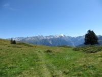 Sentiero per Croce Portera, panorama su gruppo dell'Adula