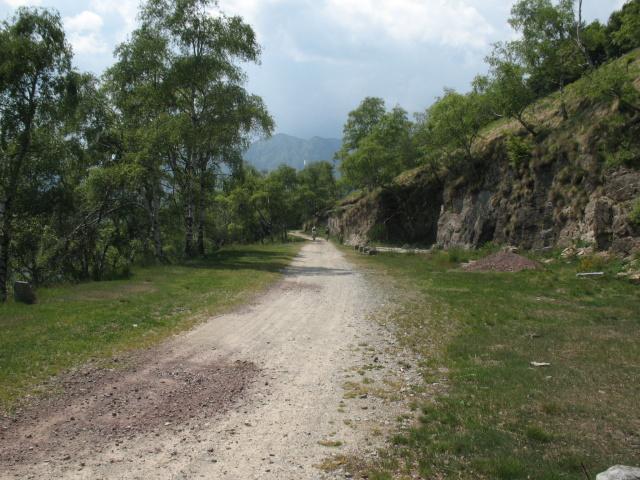 Ex strada militare della Val Gula in direzione del Pian del Puzzo/Passo Folungo