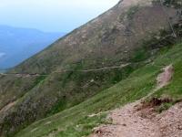Discesa su sentiero accidentato da Motto della Croce verso l'Alpe Davrosio