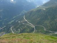 Strada del Gottardo e inizio della Val Bedrettoi dal Passo Scimfuss