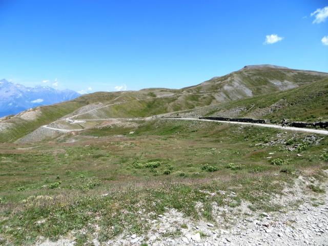 Panorama sul Gran Serin (dx alto) ed il Colle dell'Assietta (sx basso)