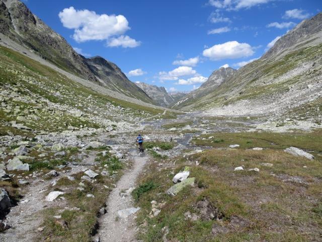 Sentiero di discesa in Val Suvretta