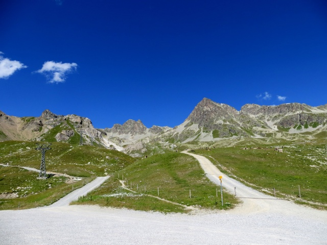 Sesselbahn Glüna - bivio per il Lago d'Alv (sx) e Trails Fluors (dx)