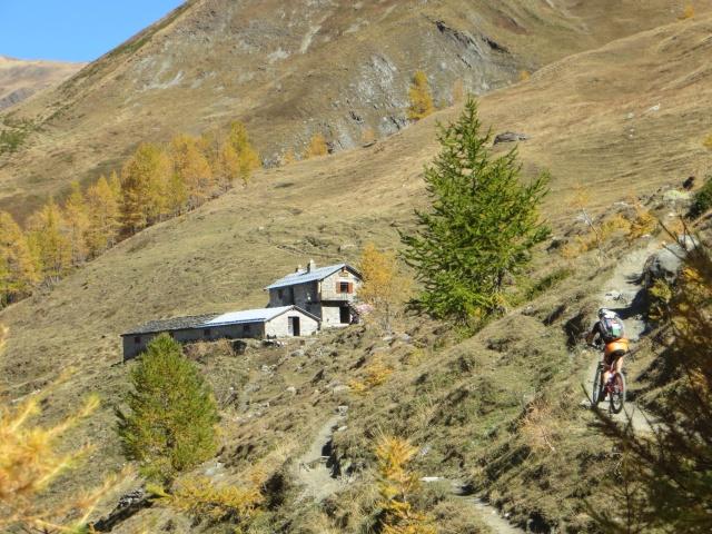 In direzione dell'alpeggio di Arnouva de Meiten