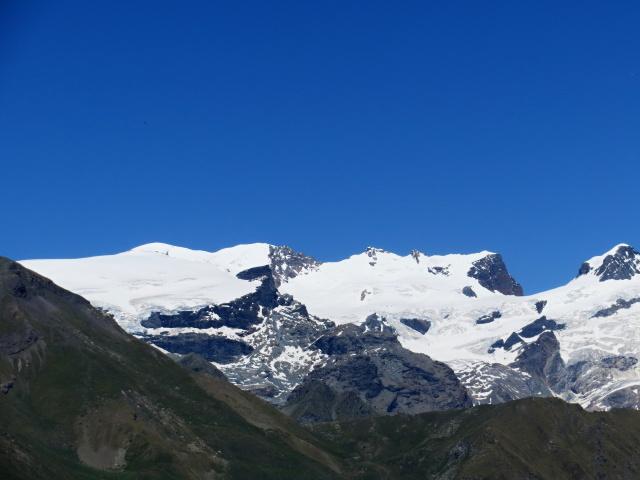 Vista dal Col di Portola sulla catena del Monte Rosa - (da sx) Breithorn centrale (4.159) e Roccia Nera (4.075)