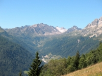 Val Bedretto e sullo sfondo il ghiacciaio del Gries