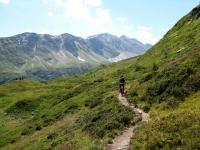 Sentiero presso l'Alpe di Manio