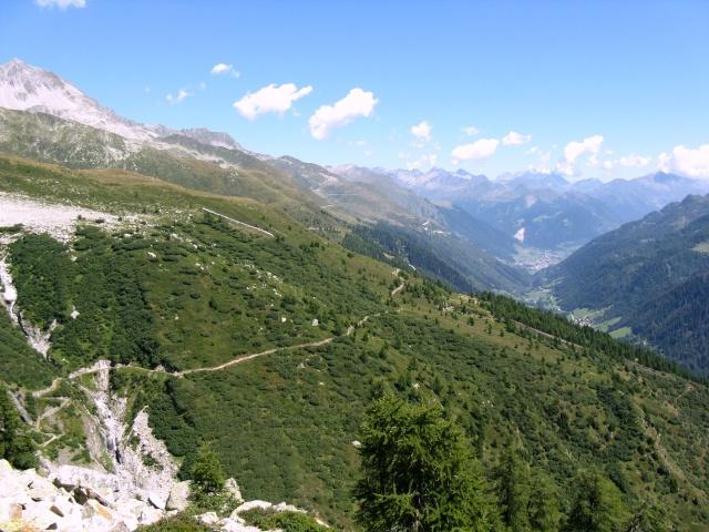 Sguardo sull'Alta via della Val Bedretto e sul tratto del single-track appena percorsi