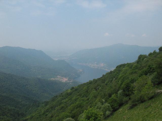 Panorama del basso Lario dal rifugio Riella