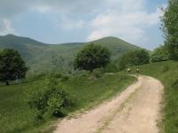 Sterrato in direzione del monte Ponciv
