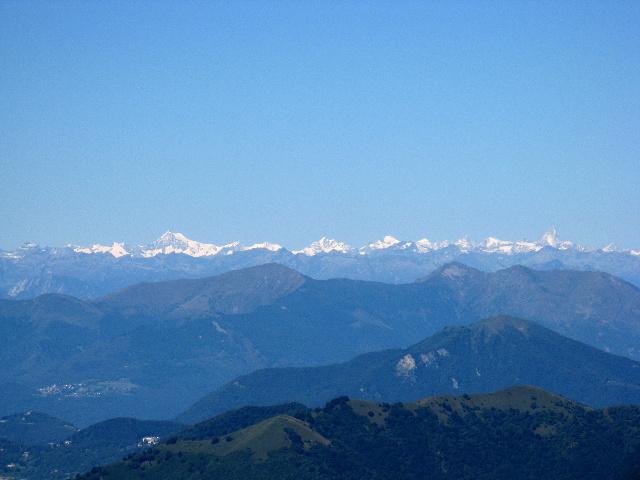 Le Alpi dalla vetta del San Primo - Alpi Bernesi, da sx: Aletschhorn, Dreieckhorn, Gletscherhorn, Jungfrau, Wannenhorn, Monch, Grunhorn, Gross Fiescherhorn, Finsteraarhorn