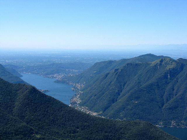 Le Prealpi dalla vetta del San Primo - Monte Bisbino e Colmegnone