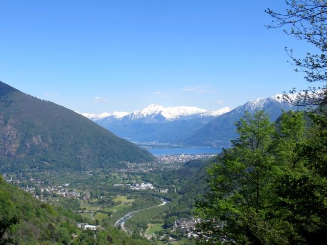 Panorama sulla parte finale della Centovalli, sullo sfondo il Monte Camoghè