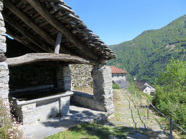 Lungo la Via delle Vose i resti della antica vita di montagna