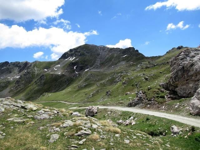 La parete del Monte Morion dall'alpe Tsa de Chavalaray