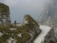 Colle della Boaria, tornante (nascosta dalle nuvole  Limone Piemonte)