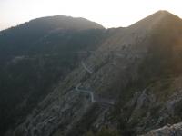 Strada che dal Col Bertrand scende al rifugio Allavena