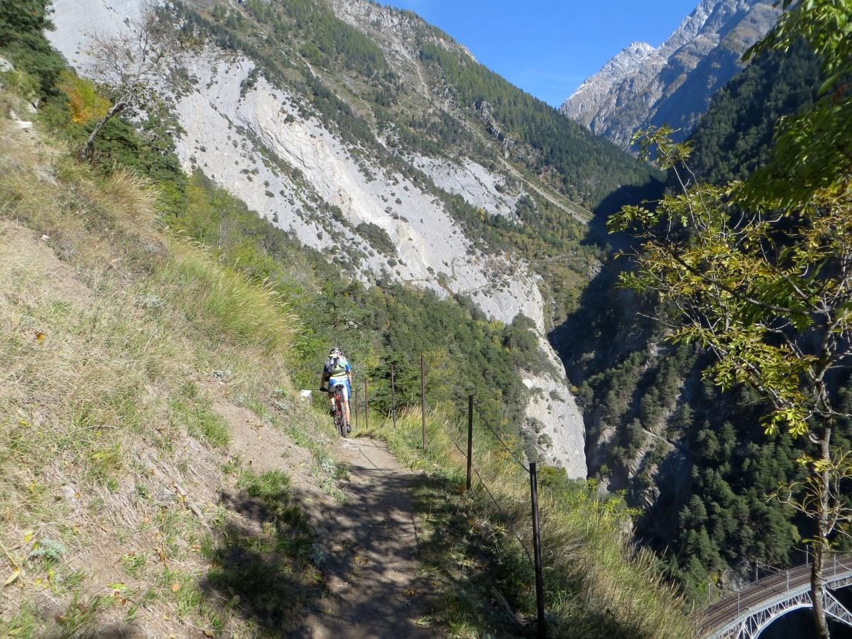 Trail lungo la rampa sud del Loetschberg