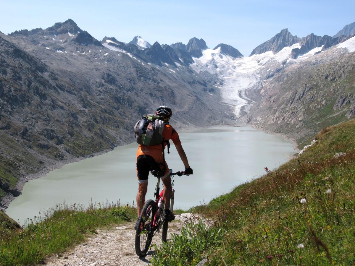 Fantastico panorama su Oberaarsee e Oberaargletscher