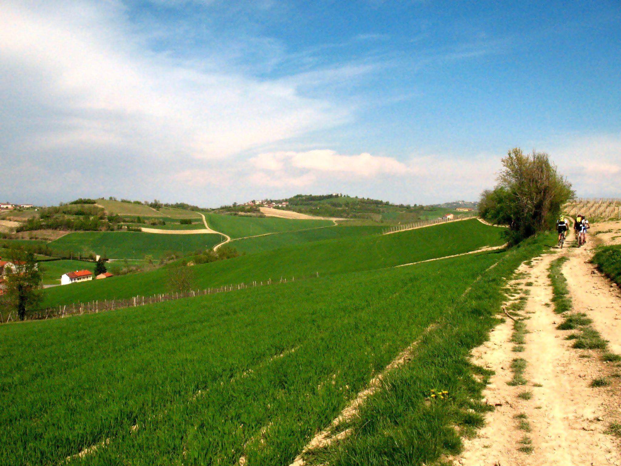 Colline del monferrato itinerari mtb for Planimetrie del paese di collina