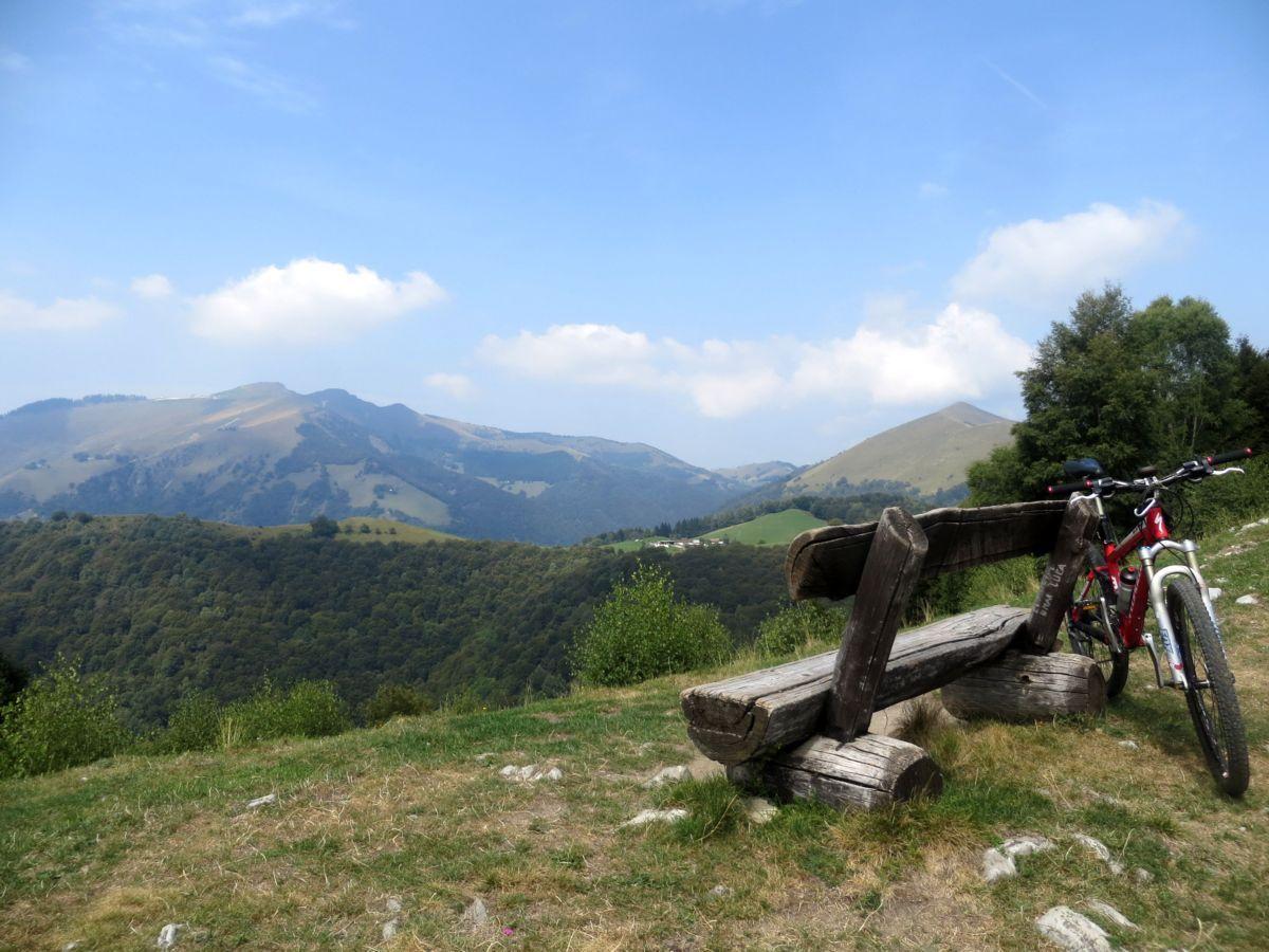 Panorama sul Monte Generoso dal Dosso di Arla