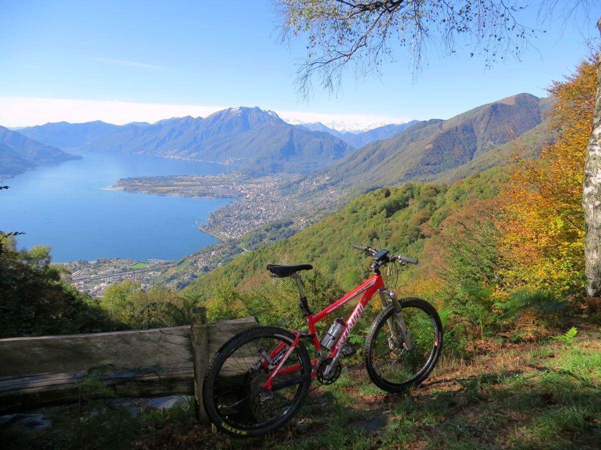 Panorama su alto lago Maggiore dai Monti di Motti