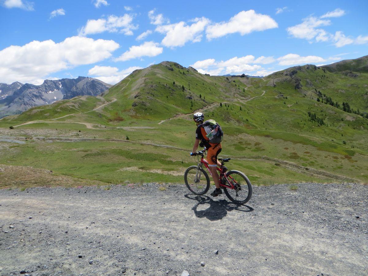 Salendo dal Colle Bercia in direzione del Col Saurel