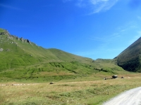 Pian dell'Alpe - sullo sfondo il Colle delle Finestre